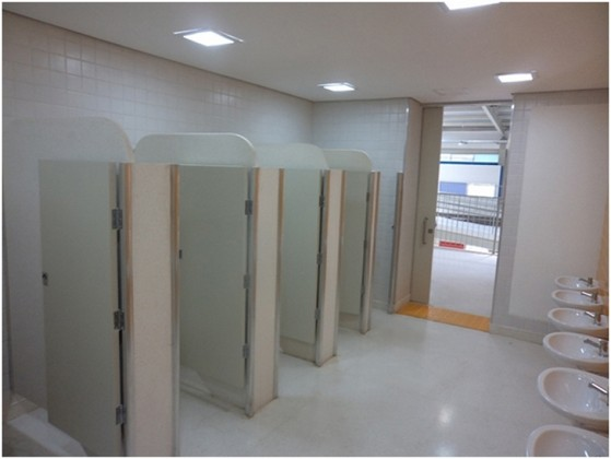 Divisórias para Banheiros Coletivos Valores Vinhedo - Divisória para Banheiro Pequeno