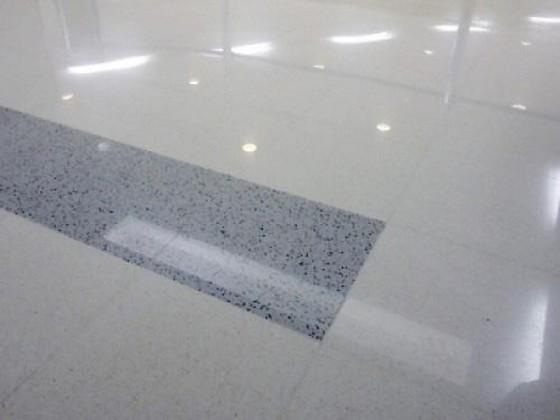 Piso Cimentício Vibro Prensado Paulínia - Piso Cimentício Branco