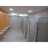 divisória de granilite para banheiro