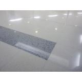 piso cimentício branco Americana